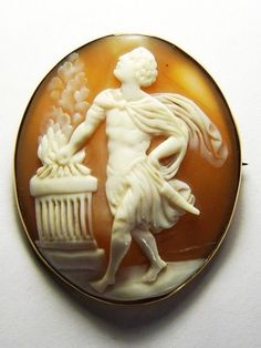 FABULOUS ANTIQUE GOLD SHELL CAMEO BROOCH PIN PROMETHEUS STEALING FIRE FROM GODS