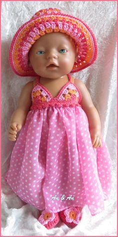 Strandjurk met hoedje en slofjes voor babyborn van www.poppenmode.com Baby Born Clothes, Bitty Baby Clothes, Vintage Baby Clothes, Crochet Baby Clothes, Pet Clothes, Doll Clothes, Girl Dolls, Baby Dolls, Baby Bjorn