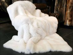 Sweetpeaandwillow and willow apparently is the store Fluffy Blankets 1c8d089af