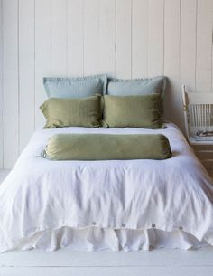 SUMMER BEDDING. While we at Bella are quite fond of our layers, we also know the impact of no-fuss interior design. Simplicity and clean lines can give your own room the feel of a vacation retreat. In White, Seaglass, Pacific, and new Bottle Green, these summer stunners are cool and comforting.