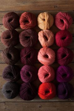 The Big Cozy  55% superfine alpaca, 45% Peruvian highland wool US 15 (10mm) needles $9.99 100g / ball