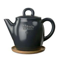 Love this tea pot.