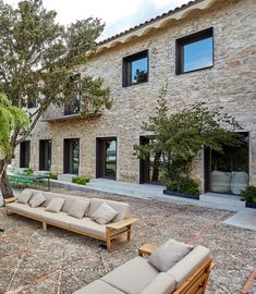 Image 1 of 29 from gallery of Grande House / Lado Blanco Arquitecturas. Photograph by Carla Capdevila Architecture Renovation, Barn Renovation, Architecture Details, Haus Am Hang, Small Buildings, Grand Homes, Spanish House, Stone Houses, Windows And Doors