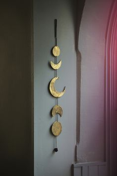 """umla: """" (via 6. Phases of the Moon - 20 Decorations for Your First Apartment … →…) """""""