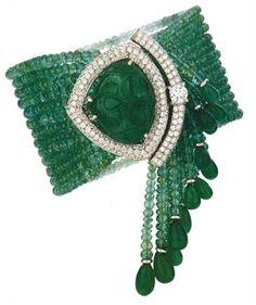 This Year Best Diamond Bracelets and Bangles Cartier Diamond Bracelet, Emerald Bracelet, Emerald Jewelry, Emerald Pendant, Bijoux Design, Schmuck Design, Jewelry Design, Jewelry Box, Jewelry Accessories