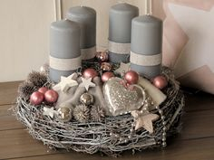 ** Elaborately designed Advent wreath completely in gray and silver antique pink salary . - ** Elaborately designed Advent wreath completely held in gray and silver old rose ** The whitened b - Christmas Advent Wreath, Christmas Time, Christmas Crafts, Christmas Decorations, Holiday Decor, Advent Wreaths, Felt Wreath, Diy Wreath, Wreath Making