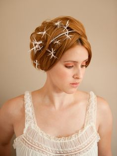 This Starburst Bridal Fascinator is so whimsical and fun. It's my version of the veil. Won't it go magically with the Zac Posen?