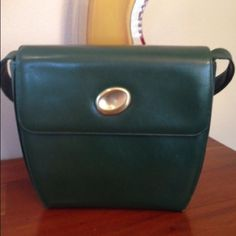 REDUCED! GUCCI Shoulder bag.  HOST PICK REDUCED!! Great Price!! Authentic vintage Gucci bag. This bag is in amazing condition. Very clean! This bag is gorgeous and has minor signs of wear. The corners are worn at the very tips & bag has a few minor scuffs on the back. Gucci Bags Shoulder Bags