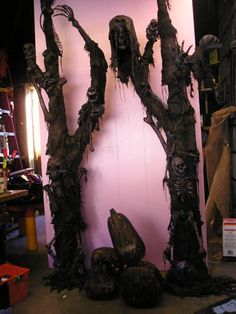 Uncle Binley's Skeleton Tree Pillars DIY