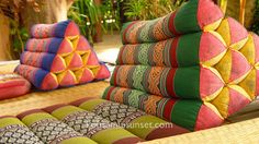 Love these triangle cushions - need to find some for start some serious lounging...
