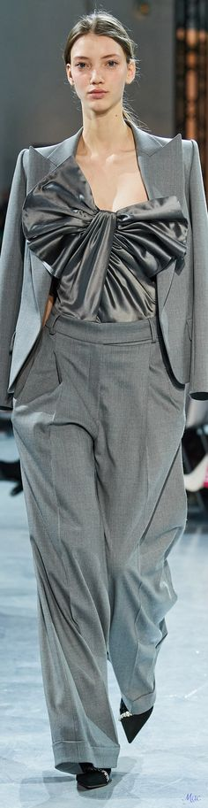 Spring Fashion, High Fashion, Fashion Beauty, Women's Fashion, 50 Shades Of Grey, Fifty Shades, Spring Couture, French Fashion Designers, Alexandre Vauthier