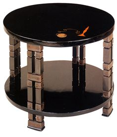 Side table in lacquer by Eileen Gray, commissioned by Jacques Doucet #GISSLER #interiordesign