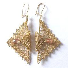 Souprava 16 312 - zlatá se zlatými perličkami | Vamberecká krajka