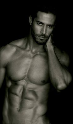 Beto Malfacini isn't wearing clothes, but hes still wearing too much ;) #HighHeeledWonder