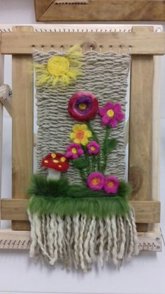 TELAR AGUJADO Tapestry Weaving, Loom Weaving, Felt Wall Hanging, Wool Art, Knitting Designs, Felt Crafts, Needle Felting, Fiber Art, Crochet Patterns
