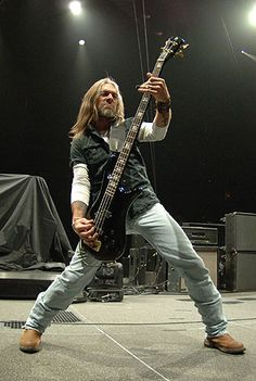Rex Brown - Kill Devil Hill, Pantera, Down Heavy Metal Music, Heavy Metal Bands, Good Music, My Music, Vinnie Paul, Captain Caveman, Dimebag Darrell, Famous Musicians, Punk