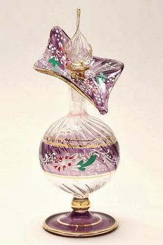 A Kindred Spirit - Flacons - perfume Egyptian Perfume Bottles, Perfume Atomizer, Antique Perfume Bottles, Vintage Perfume Bottles, Perfume Vintage, Beautiful Perfume, Glas Art, Glass Bottles, Pretty Art