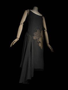 Madeleine Vionnet , maison de couture, 1925, robe | Les Arts décoratifs