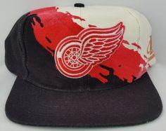 fc5df2928bd Detroit Red Wings Snapback Vintage Logo Athletic Splash Hat NHL Rare  Starter Cap 90s Hats