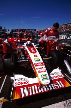 Alex Zanardi prepares for the start of the 1999 British GP at Silverstone in the Winfield Williams Nascar Racing, Racing Team, Williams F1, British Grand Prix, Formula 1 Car, Car And Driver, World Championship, Race Cars, Pilot