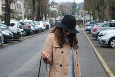 Avec le chapeau