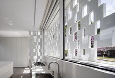 Gallery of Tel Aviv House / Pitsou Kedem Architects - 18
