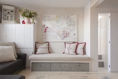 Built-in bench seat with storage | Planete Deco