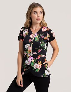 Tulip Top in Onyx Bouquet is a contemporary addition to women's medical scrub outfits. Shop Jaanuu for scrubs, lab coats and other medical apparel. Runway Fashion, Fashion Beauty, Scrubs Outfit, Lab Coats, Womens Scrubs, Medical Scrubs, Floral Tops, Clothes For Women, My Style