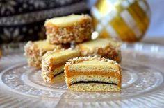crustycorner: Vánoční medovníčky Christmas Sweets, Christmas Baking, Christmas Cookies, Czech Recipes, Ethnic Recipes, Small Desserts, Pasta, Nutella, Cupcake Cakes