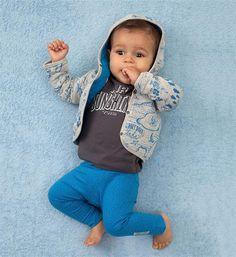 Tumble 'N Dry t-shirt Gnoe met letterprint op de voorzijde. Deze longsleeve heeft handige drukknopen op de linkerschouder. 95% katoen, 5% elasthan Tumble N Dry, T Shirts, Face, Tee Shirts, Chemises, Tee, Tees, Faces, Shirts