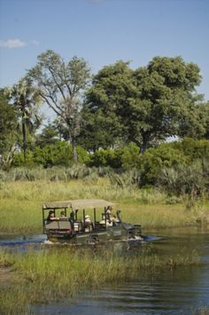Photographic Safaris in the Okavango Delta and Chobe in Botswana. image: Sandibe