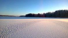 Kaunis aurinkoinen päivä Kuoreveden jäällä. Mountains, World, Beach, Water, Travel, Outdoor, Gripe Water, Outdoors, Viajes