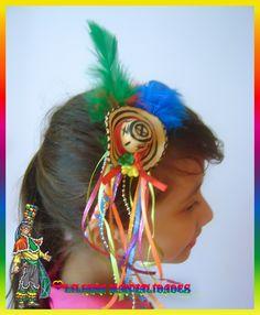 Liliana Manualidades: Acesorios de carnaval de barranquilla Liliana, Carnival, Hair Styles, Beauty, Head Bands, Beautiful Things, Hair Bows, Tutorials, Necklaces