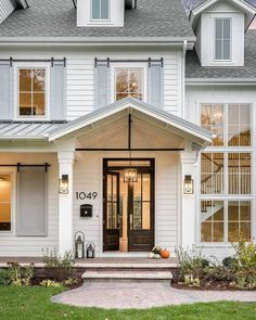 Beautiful Farmhouse Front Door Entrance Decor And Design Ideas 15 White Farmhouse Exterior, Farmhouse Style, Farmhouse Front Doors, Farmhouse House Numbers, Farmhouse Shutters, Rustic Exterior, Farmhouse Design, Colonial Front Door, Modern Farmhouse Porch