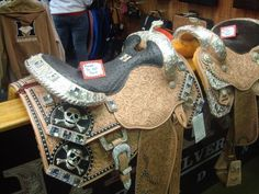 Harris saddle I would love to have in my tackroom.