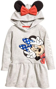 Long-sleeved dress in sweatshirt fabric with a printed design. Jersey-lined hood with appliqués. Seam at hips and gently flared skirt. Little Girl Outfits, Kids Outfits Girls, Junior Girls Clothing, Killstar Clothing, Uñas Fashion, H&m Kids, Children, Mickey Mouse T Shirt, Hooded Dress