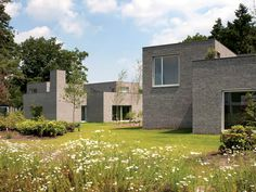 Bosrijk houses by Dutch architects Happel Cornellisse Verhoeven.