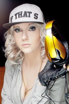 DJane Mirjami special photosession to OBLANC HEADPHONES COMPANY