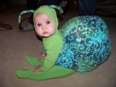 A baby snail! 2 People Halloween Costumes, Unique Toddler Halloween Costumes, Clever Costumes, Homemade Halloween Costumes, Baby Costumes, Halloween Ideas, Snail Costume, Bug Costume, Beast Costume