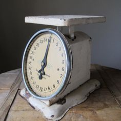 Looks like my Grandmother Theresa's Kitchen Scale that I have in my kitchen.