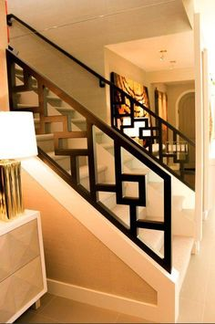 16 Unique Modern Staircase Design Ideas For Your Dream House Staircase Railing Design, Modern Stair Railing, Home Stairs Design, Balcony Railing Design, Staircase Railings, Modern Stairs, House Design, Staircase Ideas, Banisters