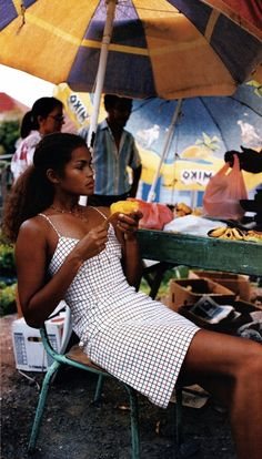 """a-state-of-bliss: """"Elle US Nov 1996 - Gail O'Niell by Gilles Bensimon """" Black Girl Magic, Black Girls, Black Women, Pretty People, Beautiful People, Beautiful Women, Collateral Beauty, Elle Us, Vintage Black Glamour"""