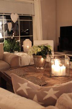 Lindevegen: Den måtte bare bli min... That is an interesting table top & I like the candle surround