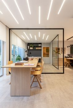 Commercial Room - Core Pinheiros - You, Inc - room 2 architecture Cool Office Space, Office Space Design, Modern Office Design, Office Workspace, Modern Offices, Office Decor, Corporate Interior Design, Corporate Interiors, Office Interiors