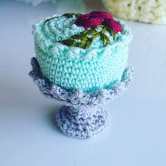 Hey, I found this really awesome Etsy listing at https://www.etsy.com/listing/294031503/crochet-food-amigurumi-cake-and-plate