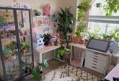 Small Room Bedroom, Room Ideas Bedroom, Bedroom Decor, Crystal Room, Comfortable Couch, Studio Room, Green Rooms, Room Setup, Aesthetic Room Decor