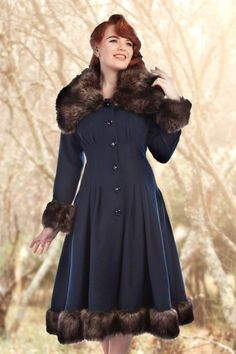 Collectif Clothing - Pearl Coat in Navy Wool Vintage Outfits, Vintage Fashion, Rockabilly Outfits, Rockabilly Style, Fur Trim Coat, Fleece Leggings, Cold Weather Outfits, Swing Skirt, Wool Dress