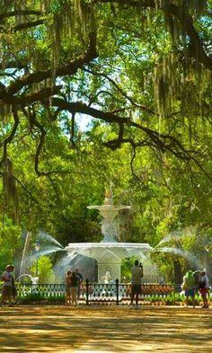 Amazing Fountain ... in Savannah, Georgia