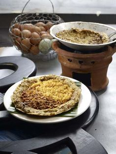 Kerak Telor.  An old school snack that I love until now. it's hard to find nowadays but the vendors show up when there's Jakarta Fair. Whenever I got the chance, I will always buy one. The one with duck eggs, of course.