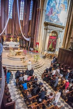 Photos Alain Espinosa. Les paroissiens de Martigues se sont rendus nombreux, ce dimanche, en pèlerinage à la cathédrale d'Aix-en-Provence pour la visiter et franchir symboliquement la Porte Sainte de la Miséricorde. Ils suivaient en cela l'invitation...